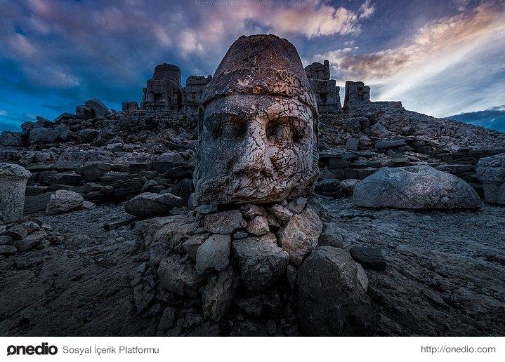 Nemrut Mountain. Photo credit: Coolbiere. A.